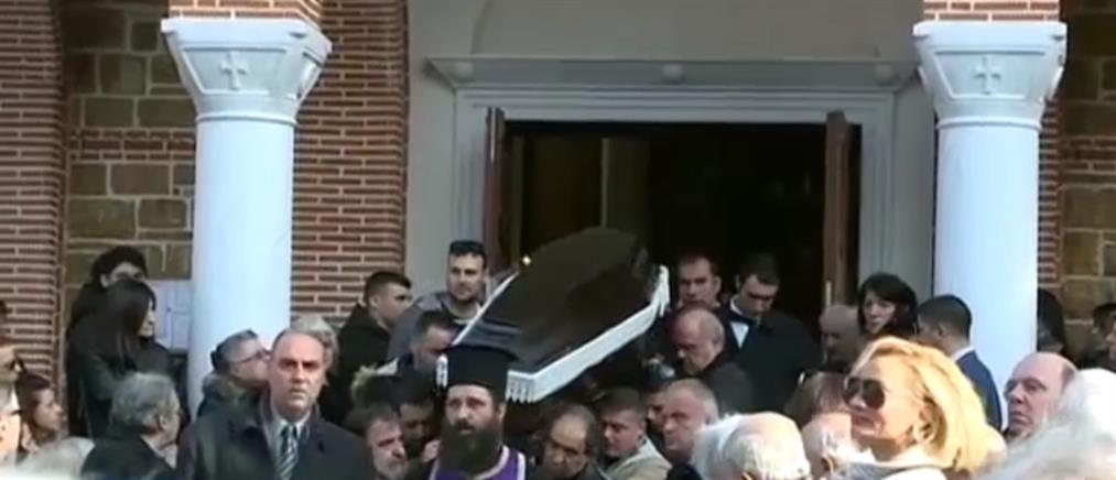 Θρήνος στην κηδεία του δημοτικού υπαλλήλου στον Διόνυσο