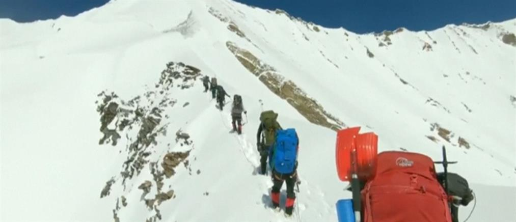 Βίντεο: οι τελευταίες στιγμές ορειβατών που παρασύρθηκαν από χιονοστιβάδα
