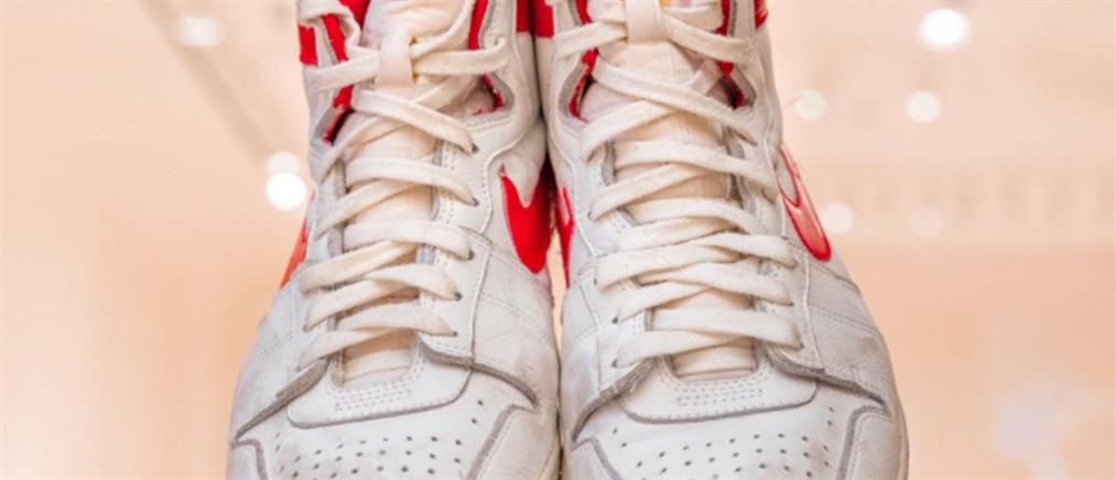 NBA - Μάικλ Τζόρνταν: Παπούτσια του πουλήθηκαν σε τιμή ρεκόρ