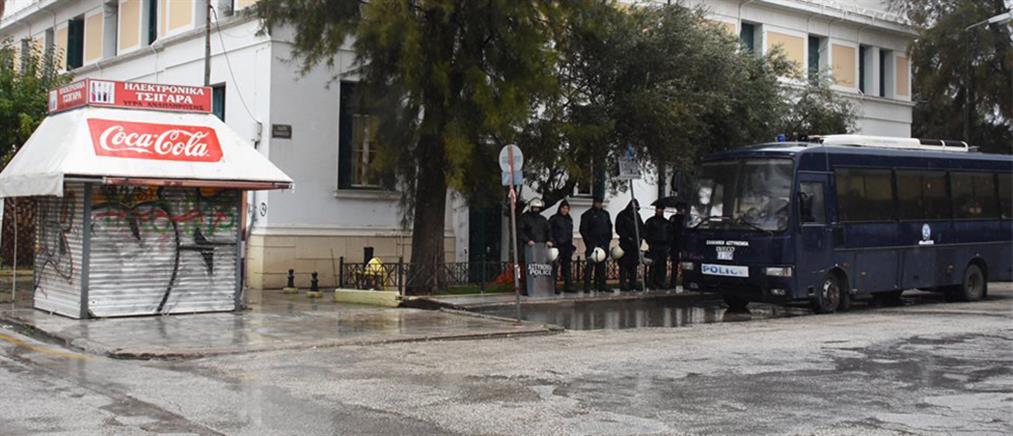 Κόρινθος: Ελεύθερος ο 35χρονος που κατηγορείται για το φόνο του Ρομά (εικόνες)