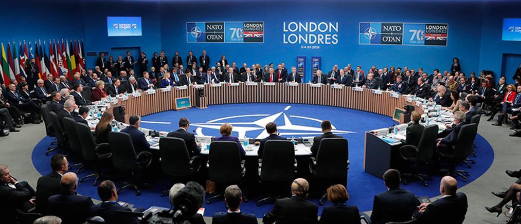 """Χαμόγελα, αιχμές και """"γκρίνιες"""" στην Σύνοδο του ΝΑΤΟ (εικόνες)"""