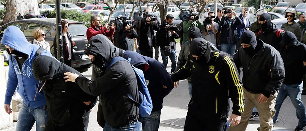 """Προφυλακίστηκαν μέλη της """"Combat 18 Hellas"""""""