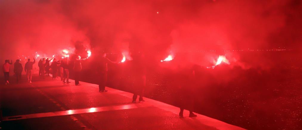 Πήρε… φωτιά η Θεσσαλονίκη από τους πυρσούς των οπαδών του ΠΑΟΚ (βίντεο)