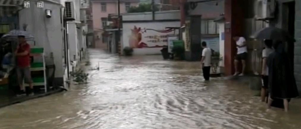Κίνα: τυφώνας μετά τις φονικές πλημμύρες (εικόνες)