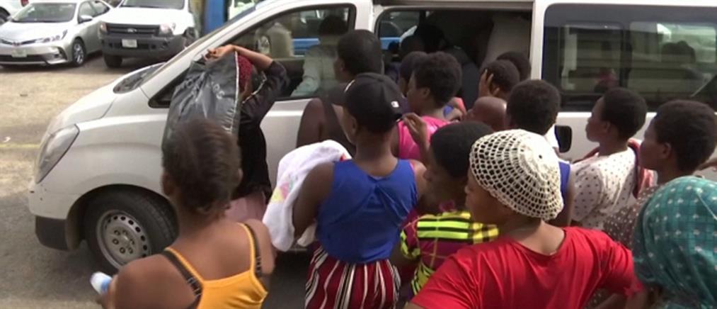 """Κορίτσια και γυναίκες αιχμάλωτες σε """"εργοστάσιο μωρών"""" (βίντεο)"""