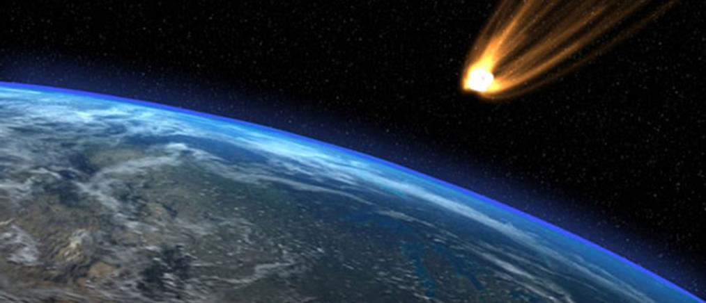 Κομήτης πλησιάζει ολοένα και περισσότερο τη Γη