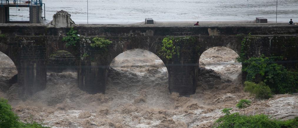 Τροπική καταιγίδα Αμάντα: φονικό το πέρασμά της από τον Ειρηνικό