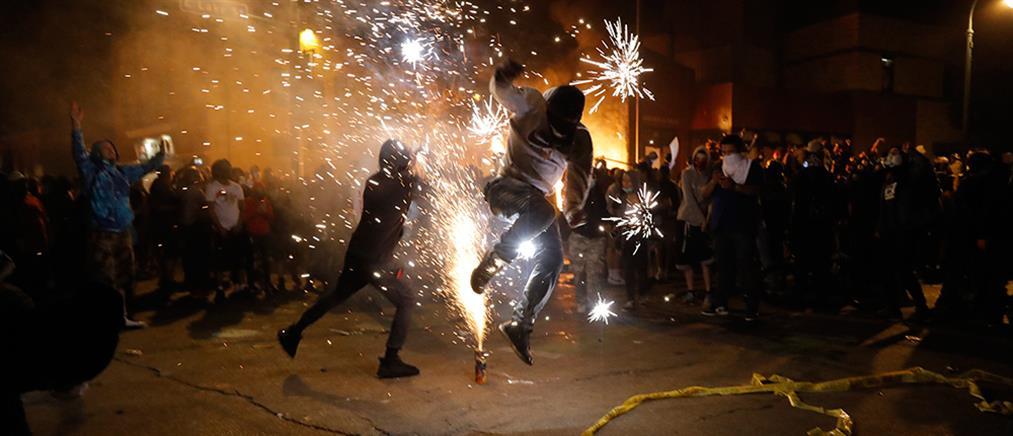 Τζορτζ Φλόιντ: τρίτη νύχτα βίαιων επεισοδίων στις ΗΠΑ (εικόνες)