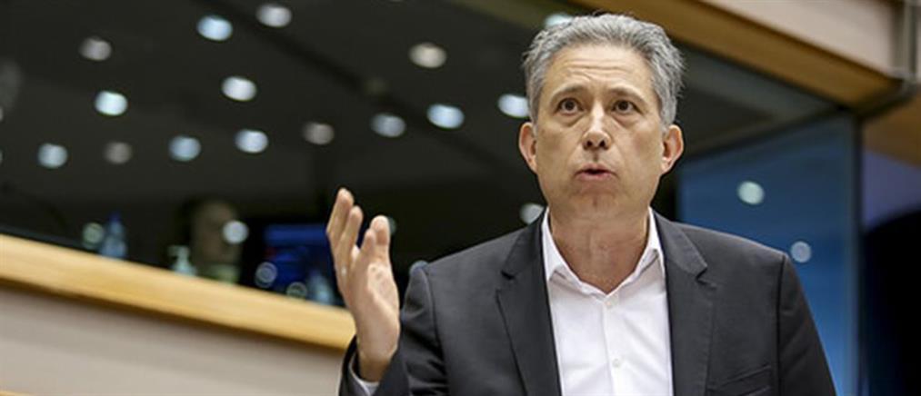 """Χρυσόγονος: οι Eυρωπαίοι αφήνουν το ΔΝΤ να """"κατεδαφίζει"""" τις συλλογικές συμβάσεις"""