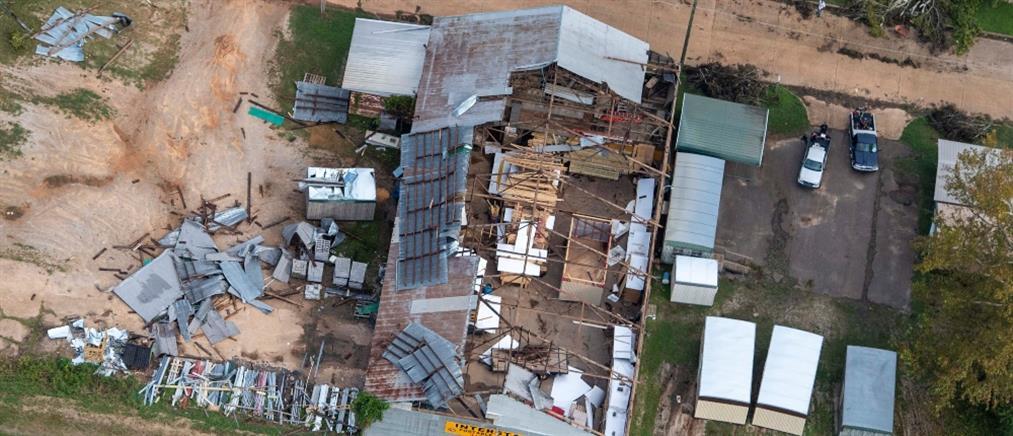 ΗΠΑ: Φονικό πέρασμα του κυκλώνα Λόρα (εικόνες)