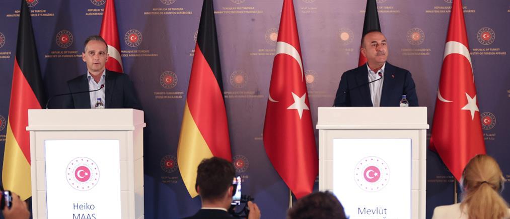 Τσαβούσογλου: Η Τουρκία δεν μπορεί να αναλάβει νέο μεταναστευτικό κύμα