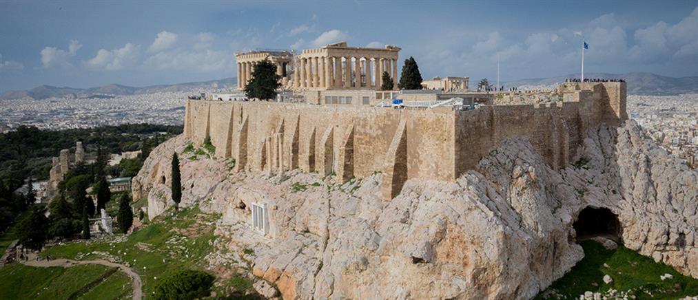 Κόντρα ΝΔ-ΣΥΡΙΖΑ για το αναβατόριο της Ακρόπολης