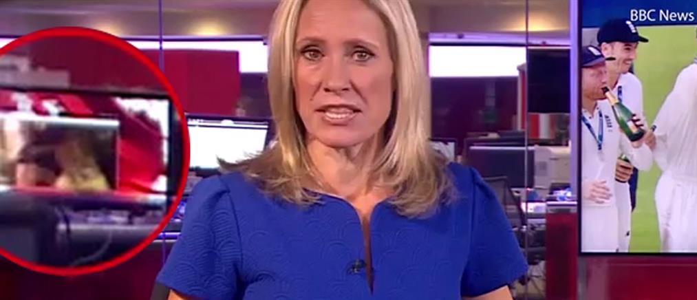 """BBC: δημοσιογράφος έβλεπε """"ροζ"""" βίντεο την ώρα του δελτίου ειδήσεων! (βίντεο)"""