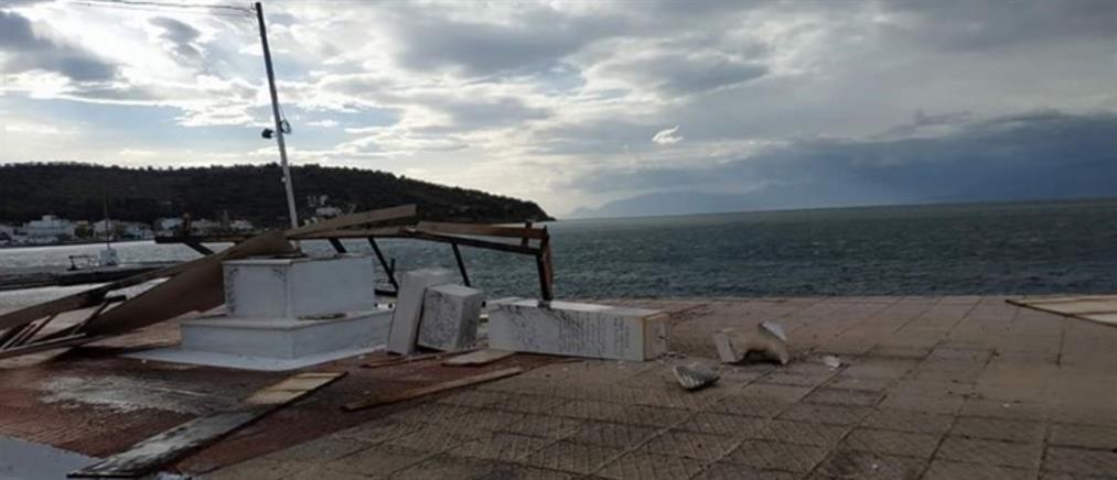 Εξέδρα ξηλώθηκε από τους ισχυρούς ανέμους και γκρέμισε Ηρώο στην Φωκίδα (βίντεο)