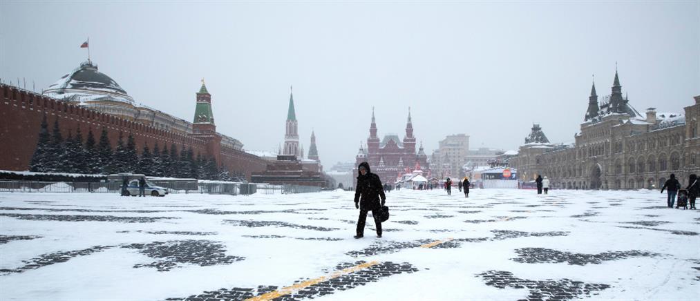 Ρωσία: Ρεκόρ χιονόπτωσης στη Μόσχα (εικόνες)