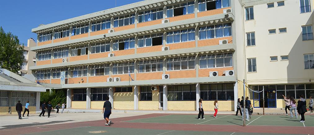 Χωρίς θρήσκευμα τα απολυτήρια των μαθητών φέτος
