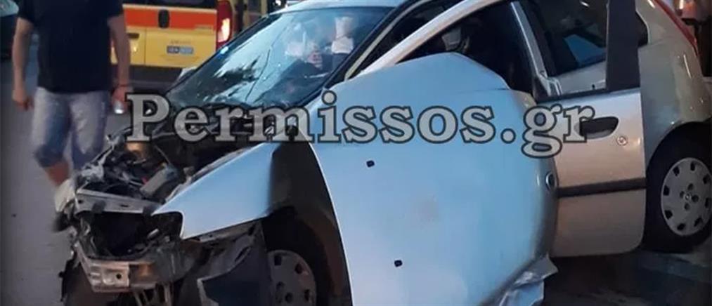 Σοβαρό τροχαίο με την εμπλοκή τριών οχημάτων (εικόνες)