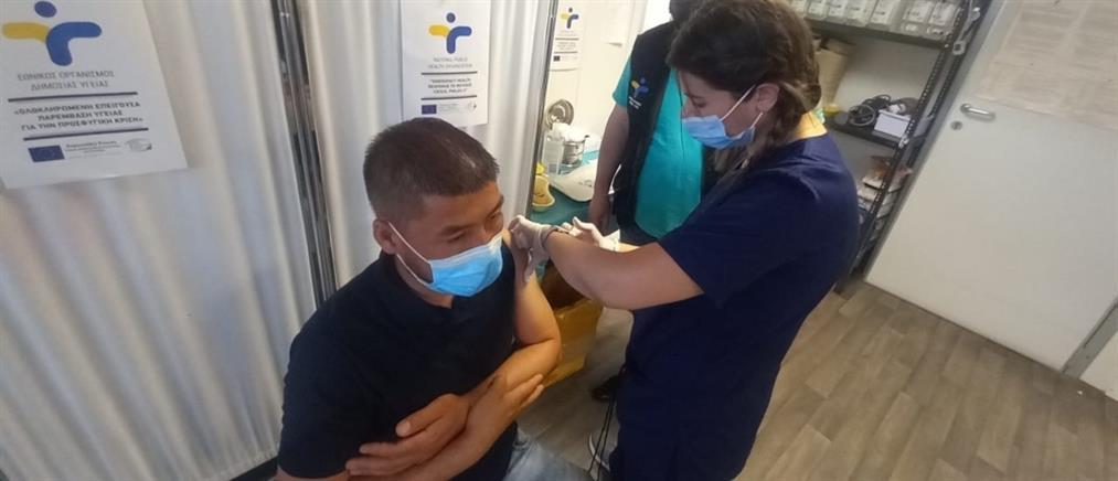 Κορονοϊός – Κικίλιας: εφικτό να έχει εμβολιαστεί το 70% των ενηλίκων στο τέλος του καλοκαιριού