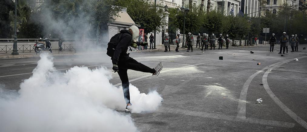 Ολοκληρώθηκε το μαθητικό συλλαλητήριο – Επεισόδια, ζημιές και προσαγωγές (εικόνες)