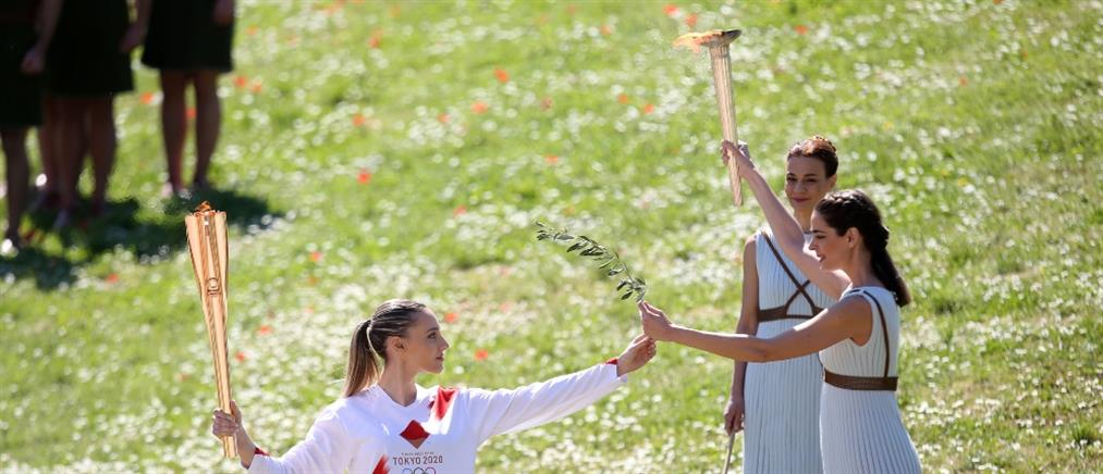Η Ολυμπιακή φλόγα ξεκίνησε το ταξίδι της προς το Τόκιο (εικόνες)