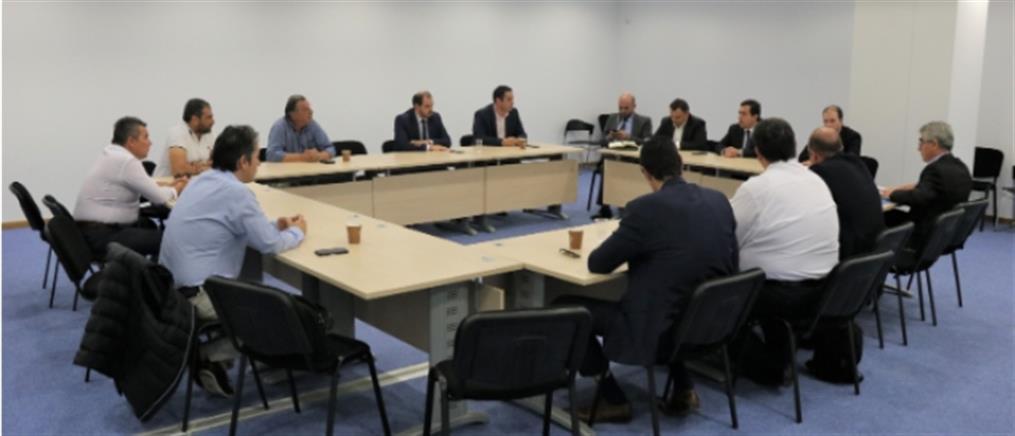 Κλειστή δομή - Μέγαρα: Συνάντηση Μηταράκη με εκπροσώπους Δήμου Μεγαρέων