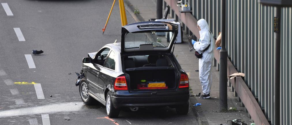 """Γερμανία: τρομοκρατική επίθεση """"βλέπουν"""" πίσω από σειρά τροχαίων (εικόνες)"""
