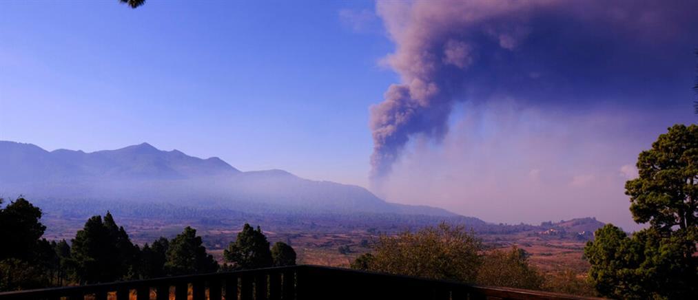 Λα Πάλμα – Ηφαίστειο: Καθηλωμένα τα αεροσκάφη λόγω τέφρας