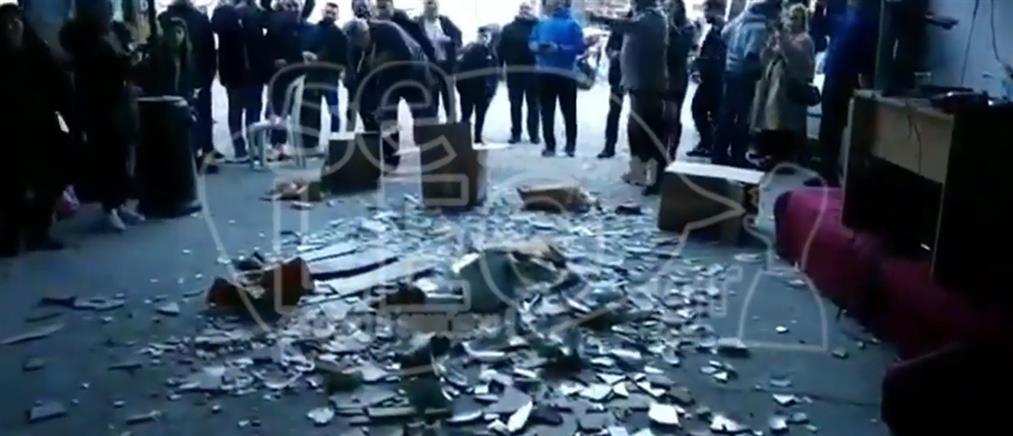 Έσπασαν πλακάκια και λεκάνες τουαλέτας σε γλέντι (βίντεο)