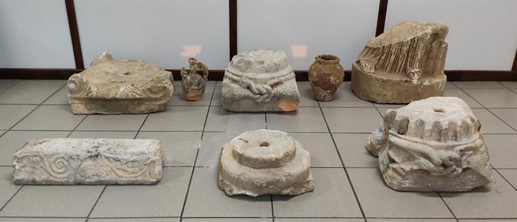 Πουλούσε αρχαία έναντι μεγάλου ποσού (εικόνες)