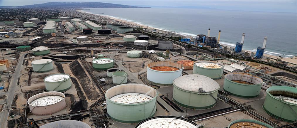 Πετρέλαιο: ιστορικό χαμηλό για την τιμή του μπρεντ