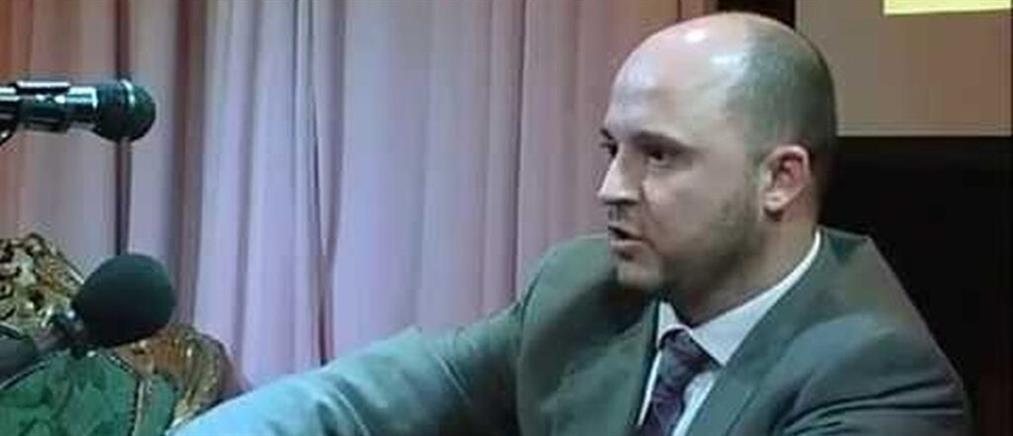 Καταγγελία Καμίνη: Συνεργάτης ναζιστικών εκδόσεων ο διοικητής της δομής Πύργου