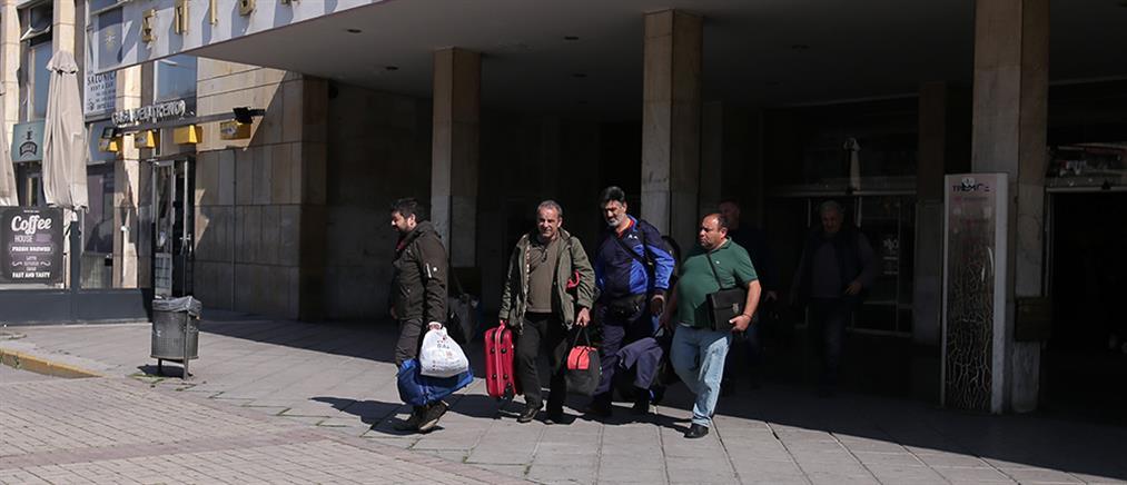 """Το """"ευχαριστώ"""" των οδηγών που ήταν εγκλωβισμένοι στα σύνορα Ιράκ – Τουρκίας (βίντεο)"""