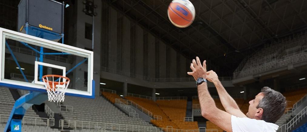 """""""Προπόνηση"""" με την Εθνική μπάσκετ έκανε ο Κυριάκος Μητσοτάκης"""