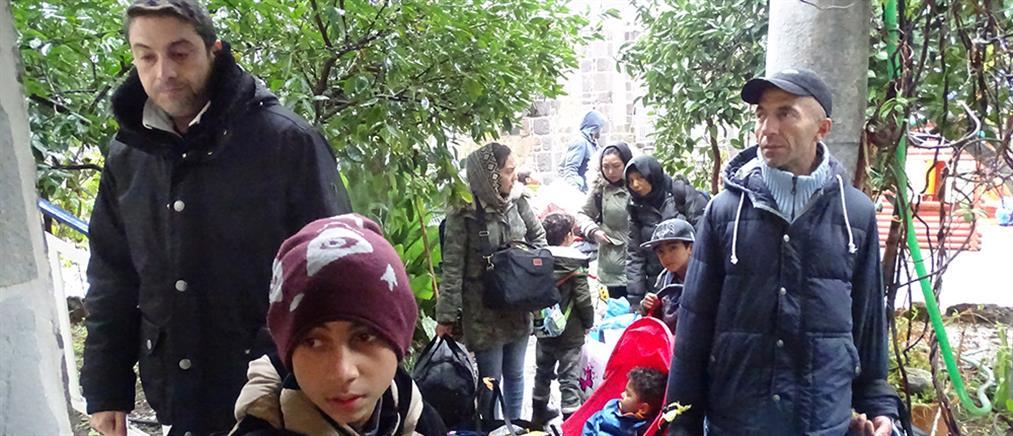 Φιλοξενία προσφύγων σε πλοία για προστασία από την κακοκαιρία