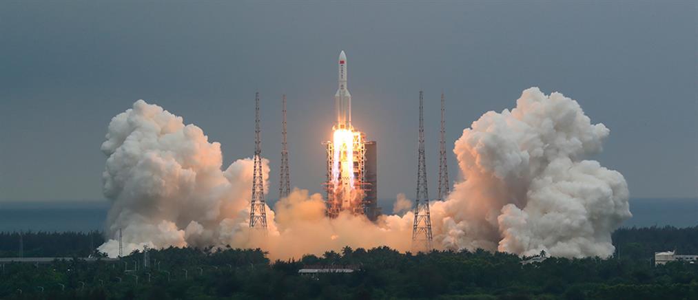 """Κινέζικος πύραυλος: που έπεσαν τα απομεινάρια της """"Μεγάλης Πορείας"""""""