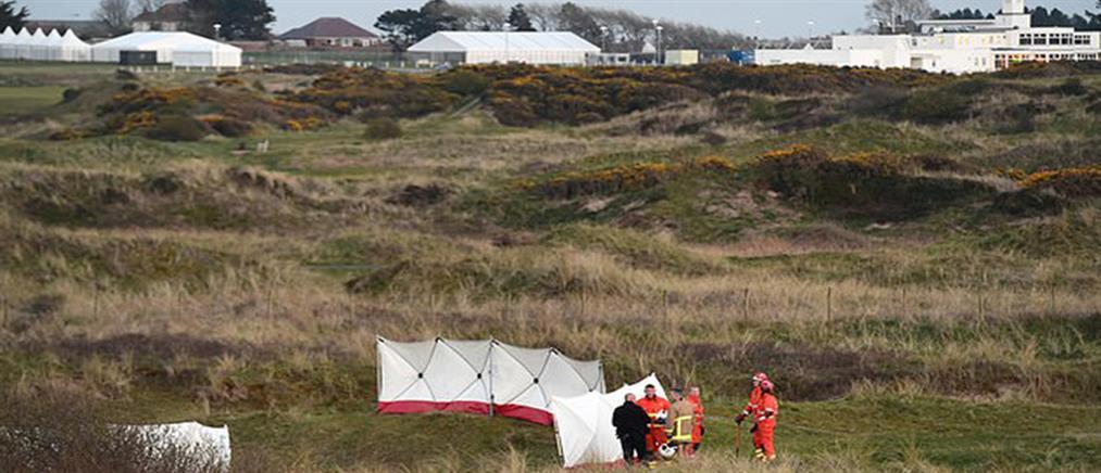 Αεροσκάφος συνετρίβη σε γήπεδο γκολφ και τυλίχθηκε στις φλόγες (βίντεο)