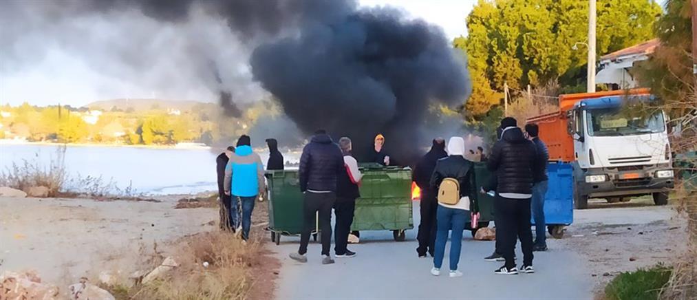 Χαλκιδική: οδοφράγματα και φωτιές στην Νικήτη (εικόνες)