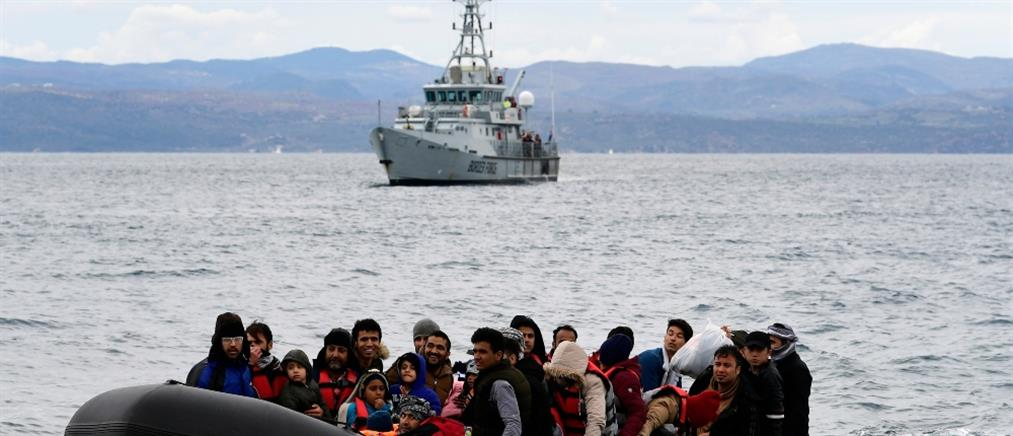 Μηταράκης: Ξεκίνησαν οι μεταφορες μεταναστών από τα νησιά σε κλειστά κέντρα