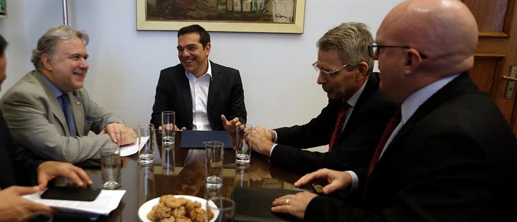 """Ο Τσίπρας ζήτησε """"σταθερά και σαφή μηνύματα"""" των ΗΠΑ προς την Άγκυρα"""