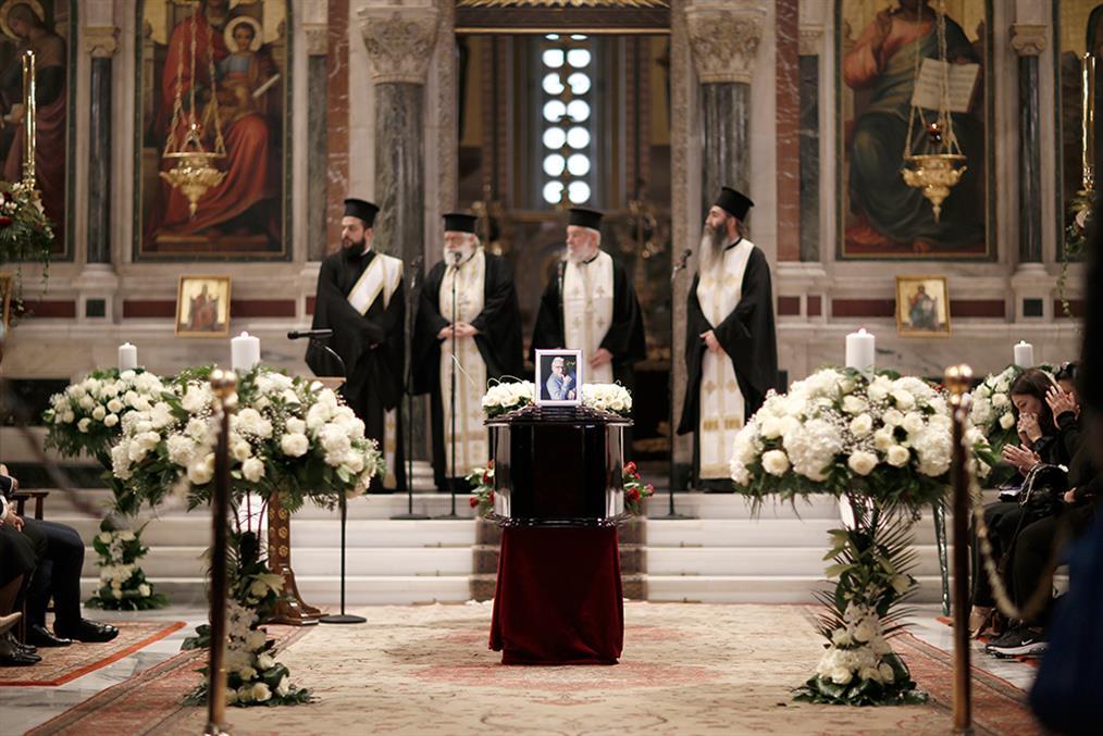 Κώστας Βουτσάς - κηδεία