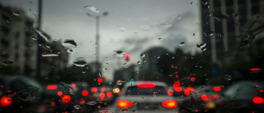 Διακοπή κυκλοφορίας στη Ραφήνα λόγω βροχής
