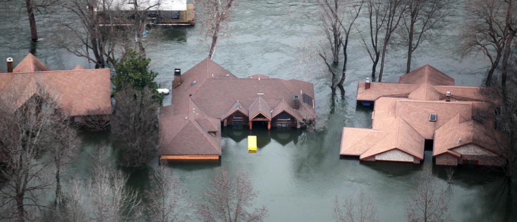 Σαρωτικές πλημμύρες στο Μιζούρι και το Ιλινόι
