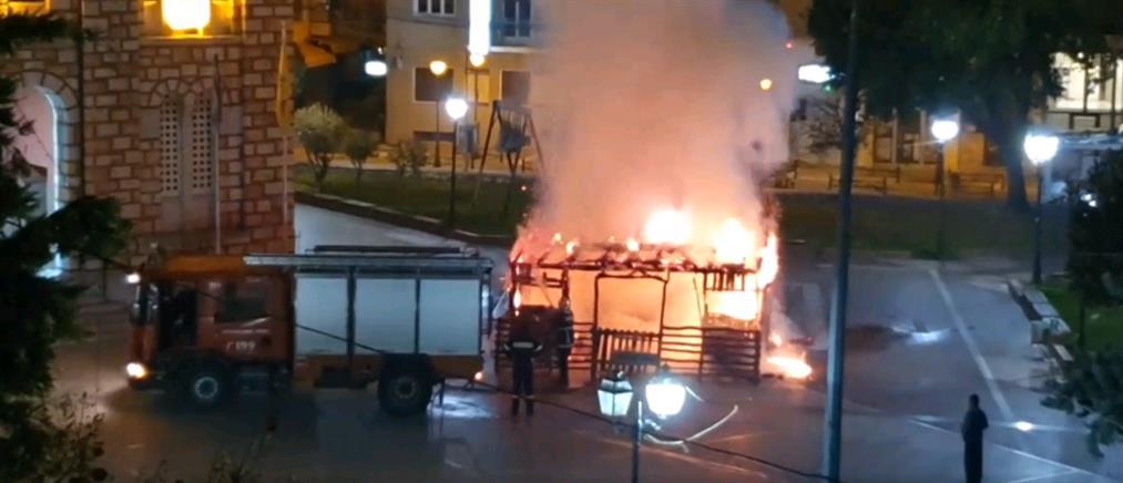 Έκαψαν φάτνη που είχε στηθεί σε Εκκλησία του Αγίου Νικολάου