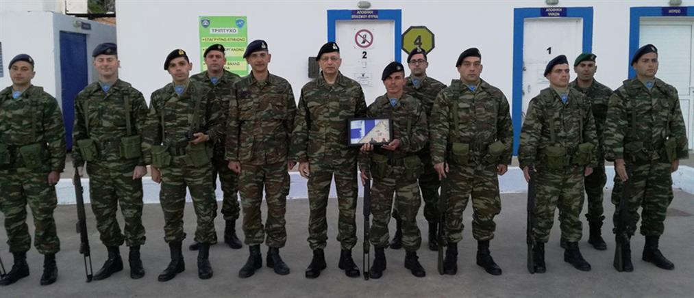 Τουρκικά ΜΜΕ: προκλητική η φωτογραφία του Έλληνα Αρχηγού ΓΕΣ με φόντο τα Ίμια
