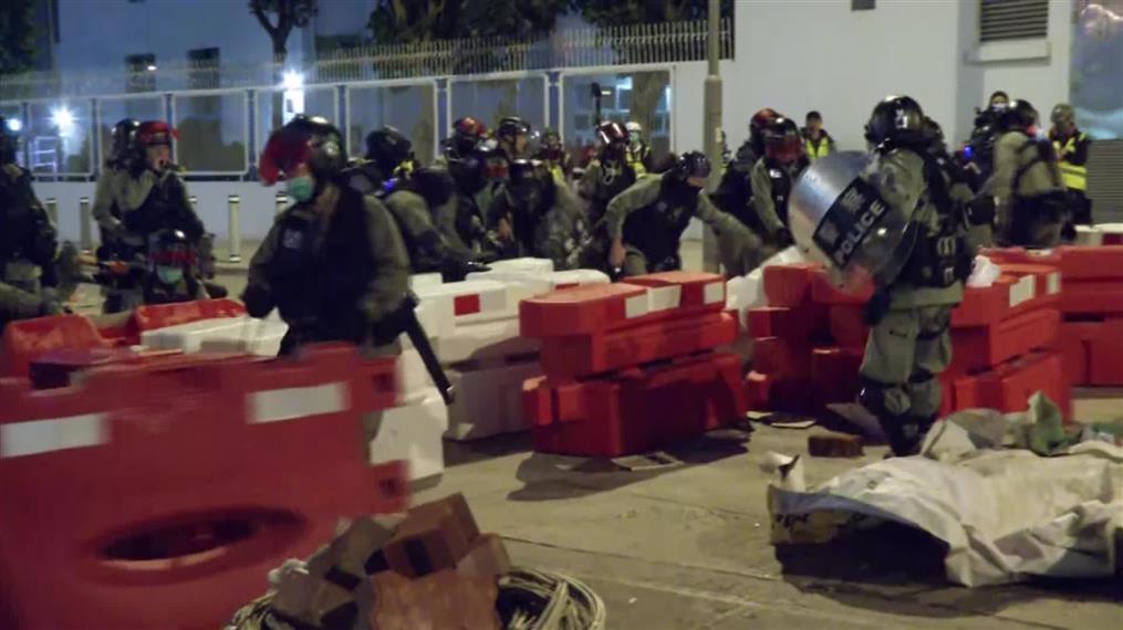 Χονγκ Κονγκ: Επίθεση σε νοσοκομείο για τον κοροναϊό