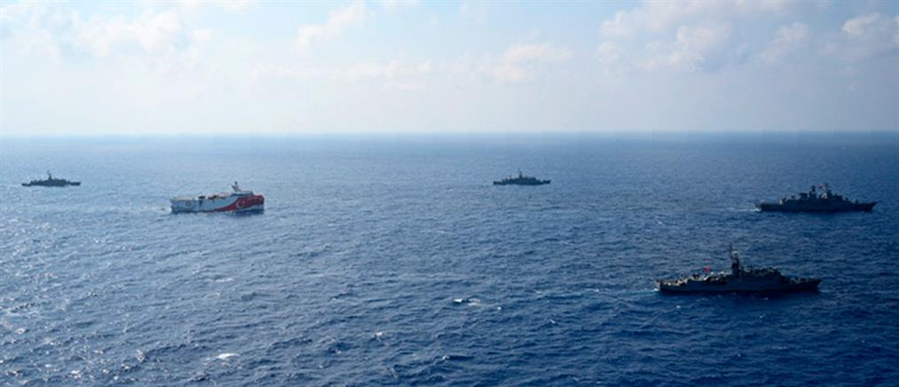 """""""Oruc Reis"""": έφτασε στα 7 ναυτικά μίλια από το Καστελλόριζο!"""