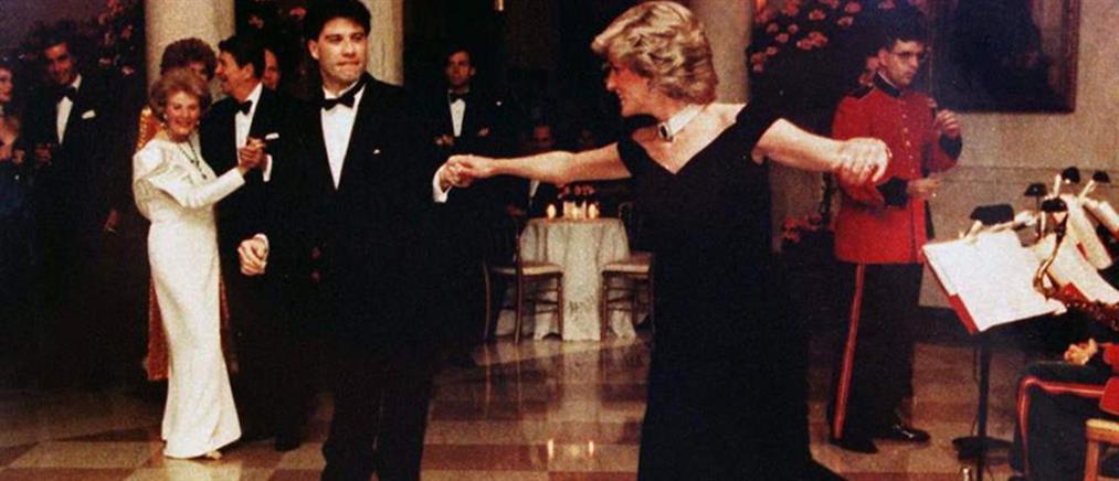 """Η ιστορία πίσω από το iconic φόρεμα της πριγκίπισσας Νταϊάνα που βγαίνει στο """"σφυρί"""""""