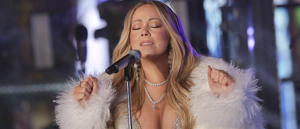 """""""All I Want for Christmas Is You"""": Στο νούμερο ένα των Top 100 για 4η εβδομάδα"""