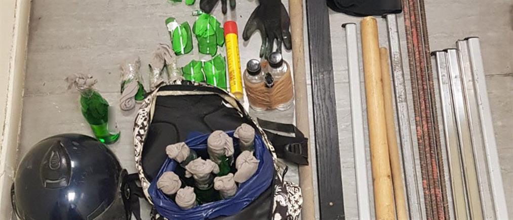 Επίθεση χούλιγκαν σε αστυνομικούς στην Καλλιθέα (εικόνες)
