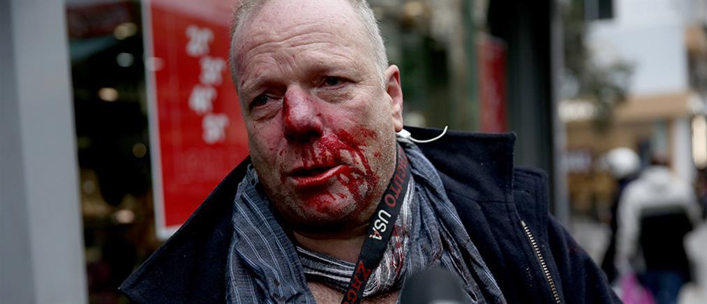 Επίθεση σε δημοσιογράφο στο Σύνταγμα (εικόνες)